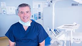 Imagem ilustrativa da Aposentadoria Especial do Dentista - dentista sorrindo