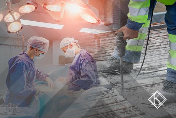 """A imagem mostra dois ambientes de trabalhos sobrepostos, um de um perfurador de asfalto e uma sala de cirurgia. A imagem ilustra a publicação """"Entrevista com técnico em segurança do trabalho sobre Aposentadoria Especial"""", da Koetz Advocacia."""