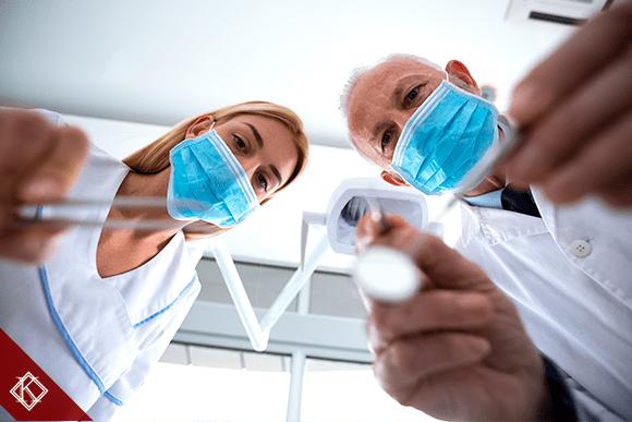 Odontólogo já pode se aposentar