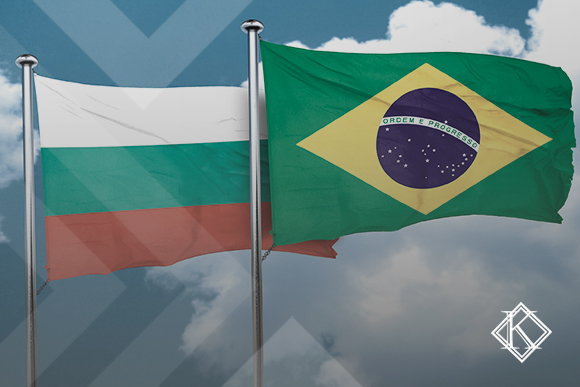 """A imagem mostra imagens do Brasil e da Bulgária e ilustra a publicação """"Acordo de Previdência da Bulgária com o Brasil"""", da Koetz Advocacia."""