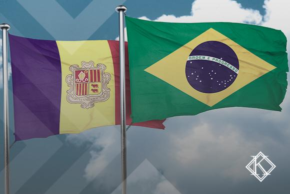 """A imagem mostra as bandeiras de Andorra e Brasil, e ilustra a publicação """"Acordo de Previdência Social Andorra e Brasil: qual a situação?"""", da Koetz Advocacia."""