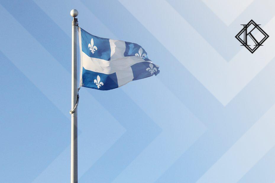 """A imagem mostra uma bandeira de Quebec, ilustrando a publicação """"Aposentadoria no Quebec para brasileiros, é possível?"""", da Koetz Advocacia."""